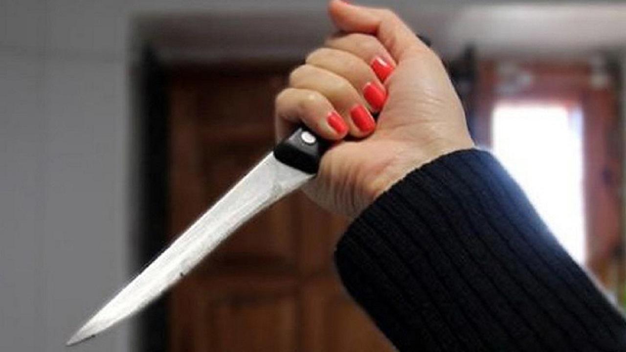 فتاة تقتل والدها بالاتفاق مع عشيقها للممارسة الرذيلة معه