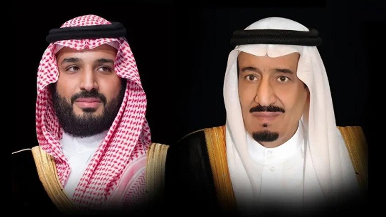 القيادة تهنئ رئيس مصر بذكرى يوم العبور