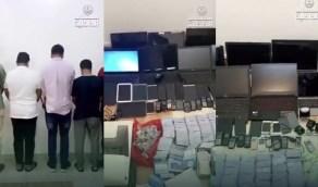بالفيديو.. لحظة القبض على 5 مقيمين متورطين في المتاجرة بشرائح الاتصال