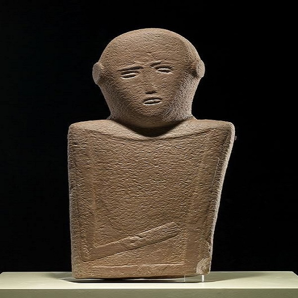 """""""رجل المعاناة"""".. تحفة فنية أثرية عثر عليها جنوب حائل"""
