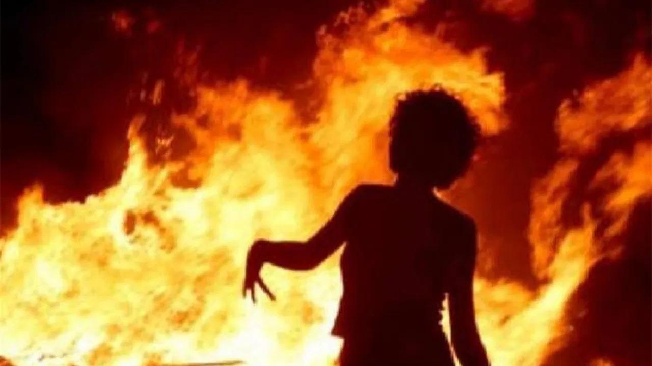 القصة الكاملة للفتاة المنتحرة حرقًا وكيف انتشر الفيديو الإباحي