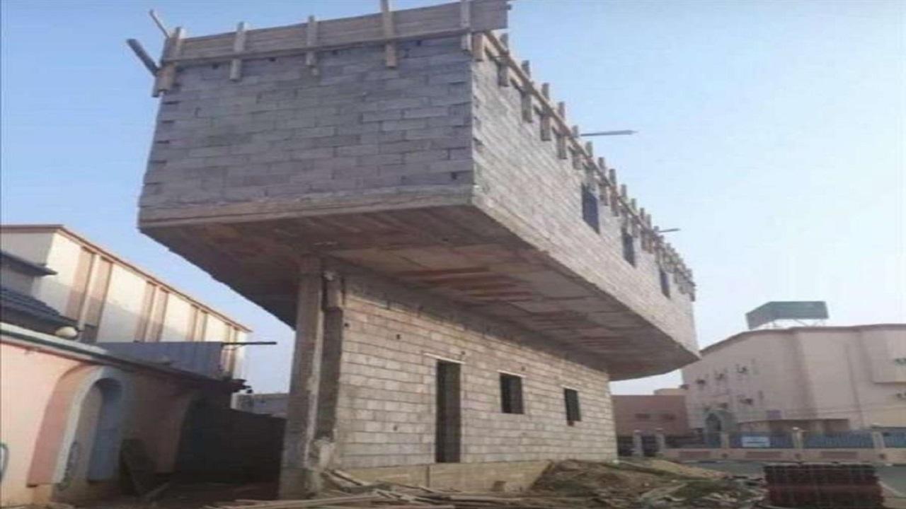 إجراء حاسم من البلدية على مبنى الجمعية العجيب في أبو عريش