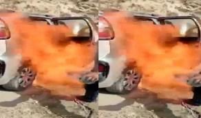 بالفيديو.. شاب يحرق سيارته الفرنسية نصرة للرسول