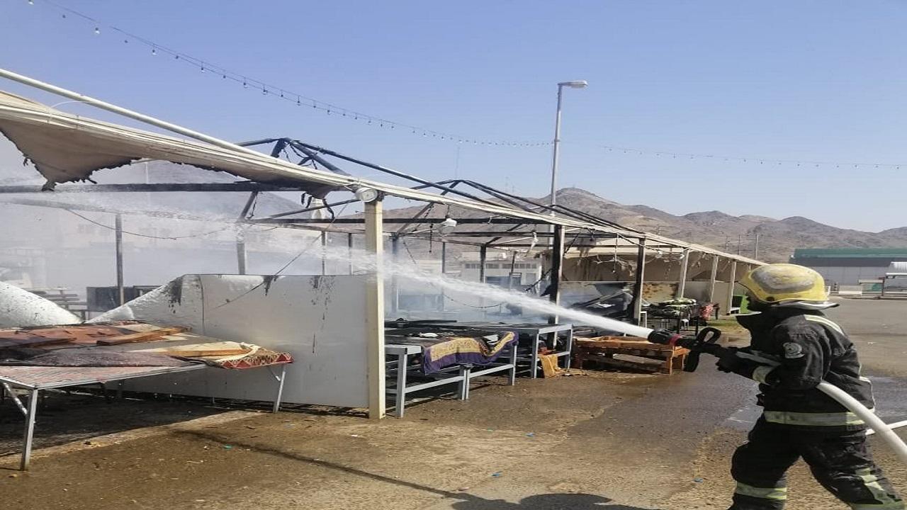 شاهد.. إخماد حريق مروع في أحد الأسواق الشعبية في بدر