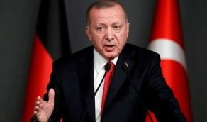 شاهد.. زواج مثليين في تركيا يفضح متاجرة حاشية أردوغان بالإسلام