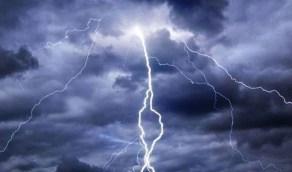 أتربة مثارة وأمطار رعدية على المدينة المنورة وحائل