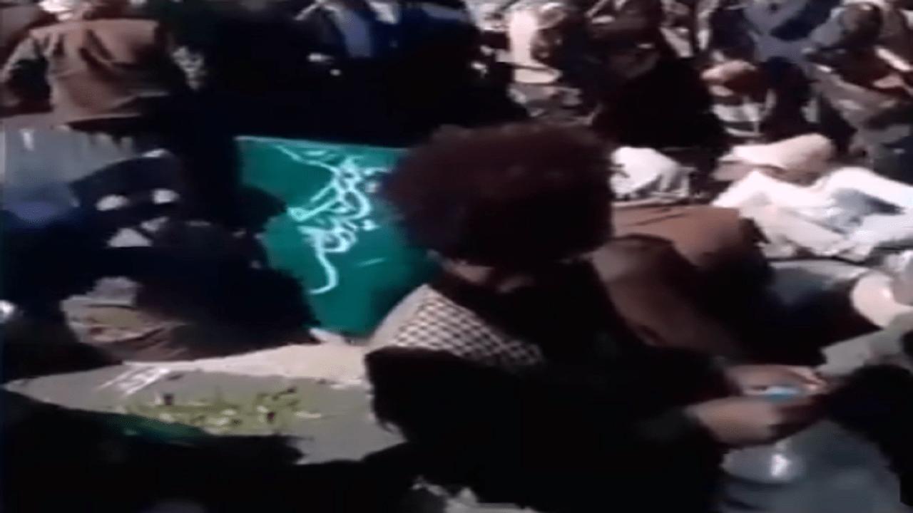 بالفيديو.. السفير الإيراني يشارك في فعالية لمليشيا الحوثي بصنعاء