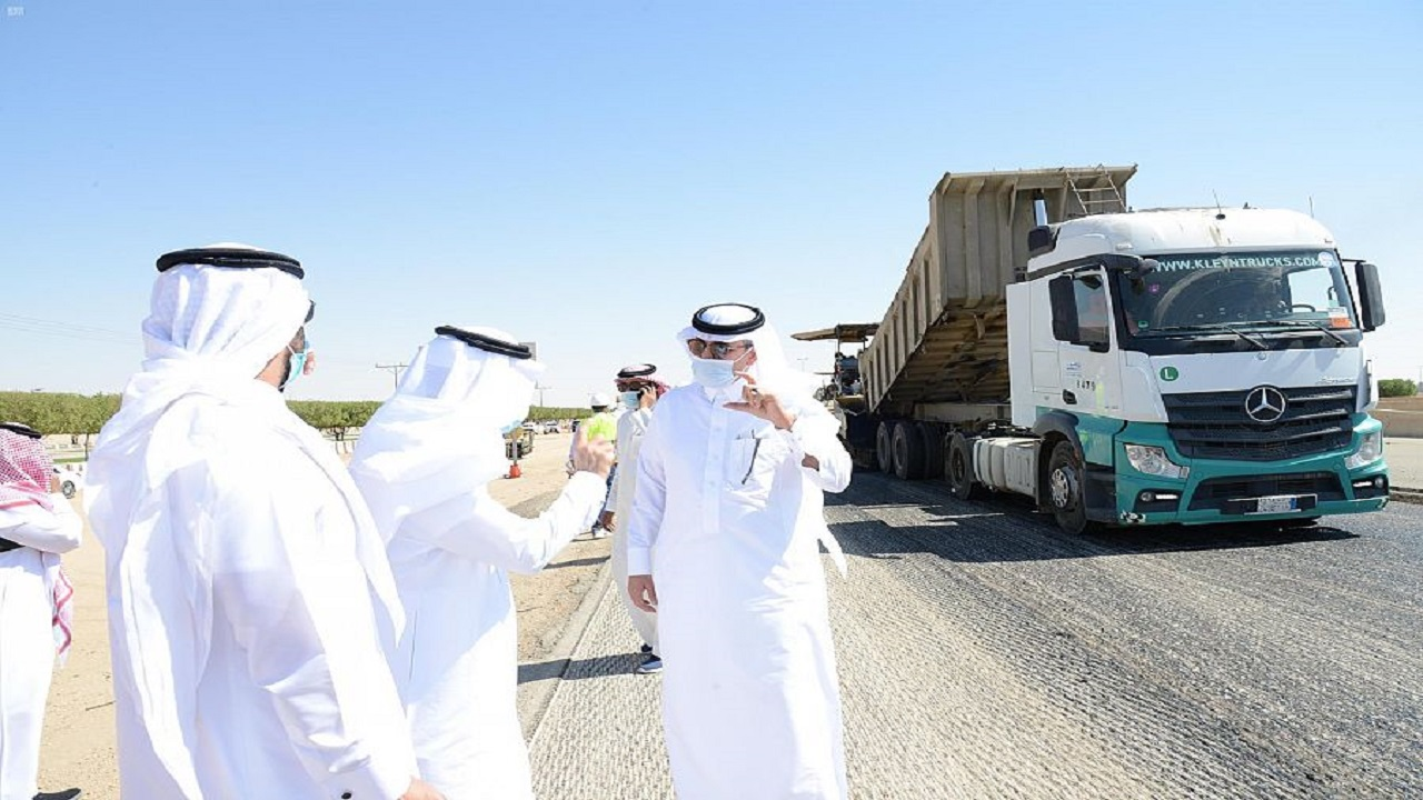 وزير النقل يقف على أعمال الإصلاح والصيانة الوقائية على طريق الرياض الطائف