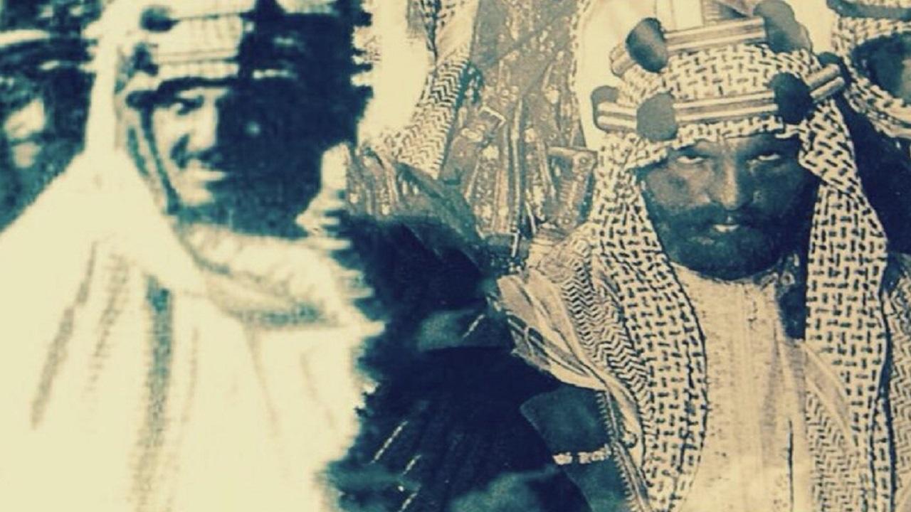 صورة نادرة مركبة تجمع بين الملك عبدالعزيز وأخيه الأمير محمد بن عبدالرحمن
