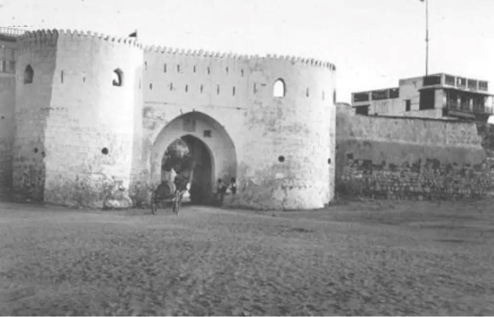 باب المدينة المنورة في جدة