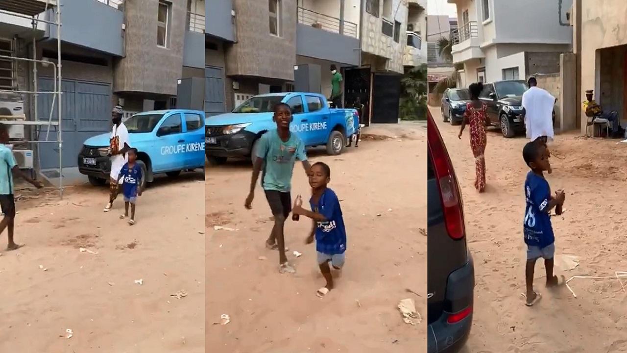 غوميز يلتقط فيديو لطفل يشجع الهلال من السنغال (فيديو)