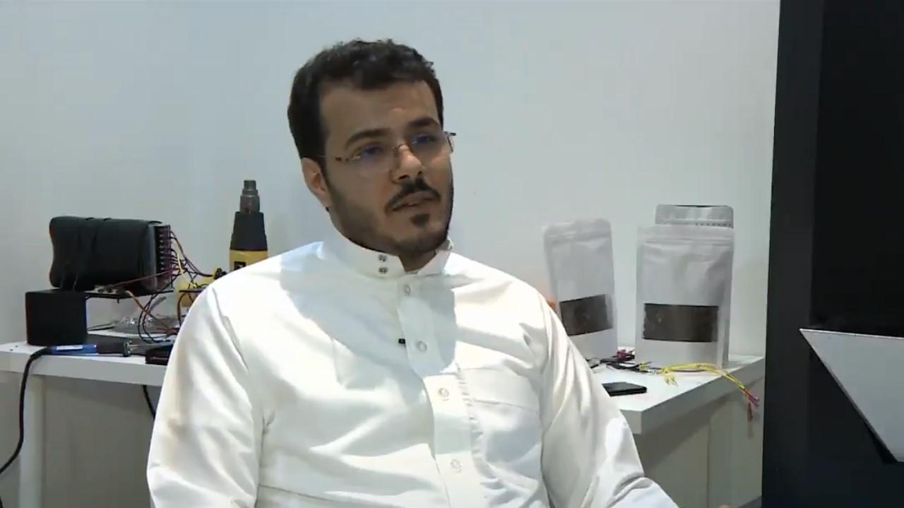 شاهد.. قصة مواطن رفض عروضاً وظيفية من4 هيئات حكومية