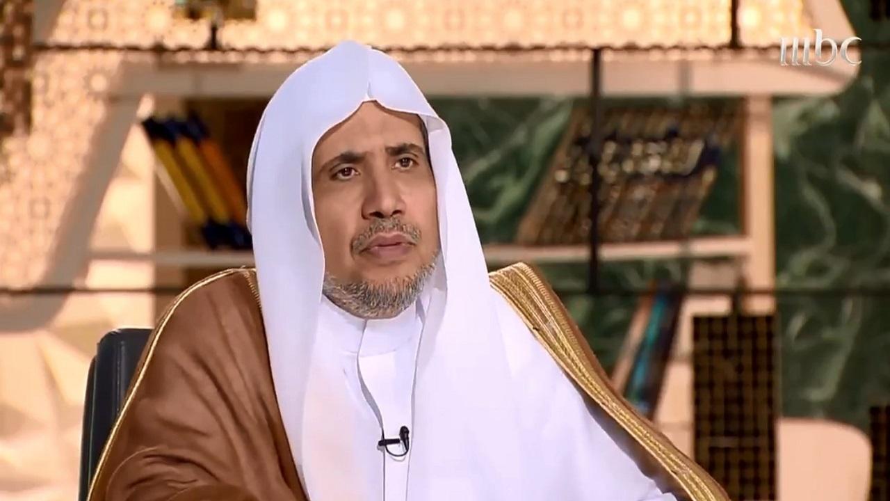 بالفيديو.. محمد العيسى يرد على تصريحات الرئيس الفرنسي عن الإسلام
