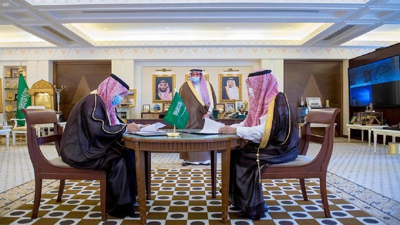 أمير القصيم يشهد توقيع مذكرة تعاون بين إمارة المنطقة والمركز الوطني للوثائق والمحفوظات
