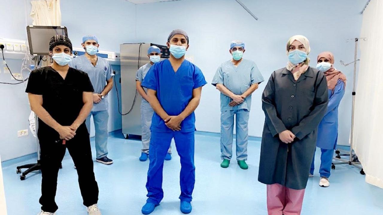نجاح عملية نوعية لتثبيت وخياطة الرباط الخلفي لمريض في مستشفى أحد رفيدة