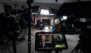 """بالفيديو.. """"ترامب"""" ينسحب من لقاء تليفزيوني بعد مشادة: """"أسئلتي صعبة أكثر من بايدن"""""""