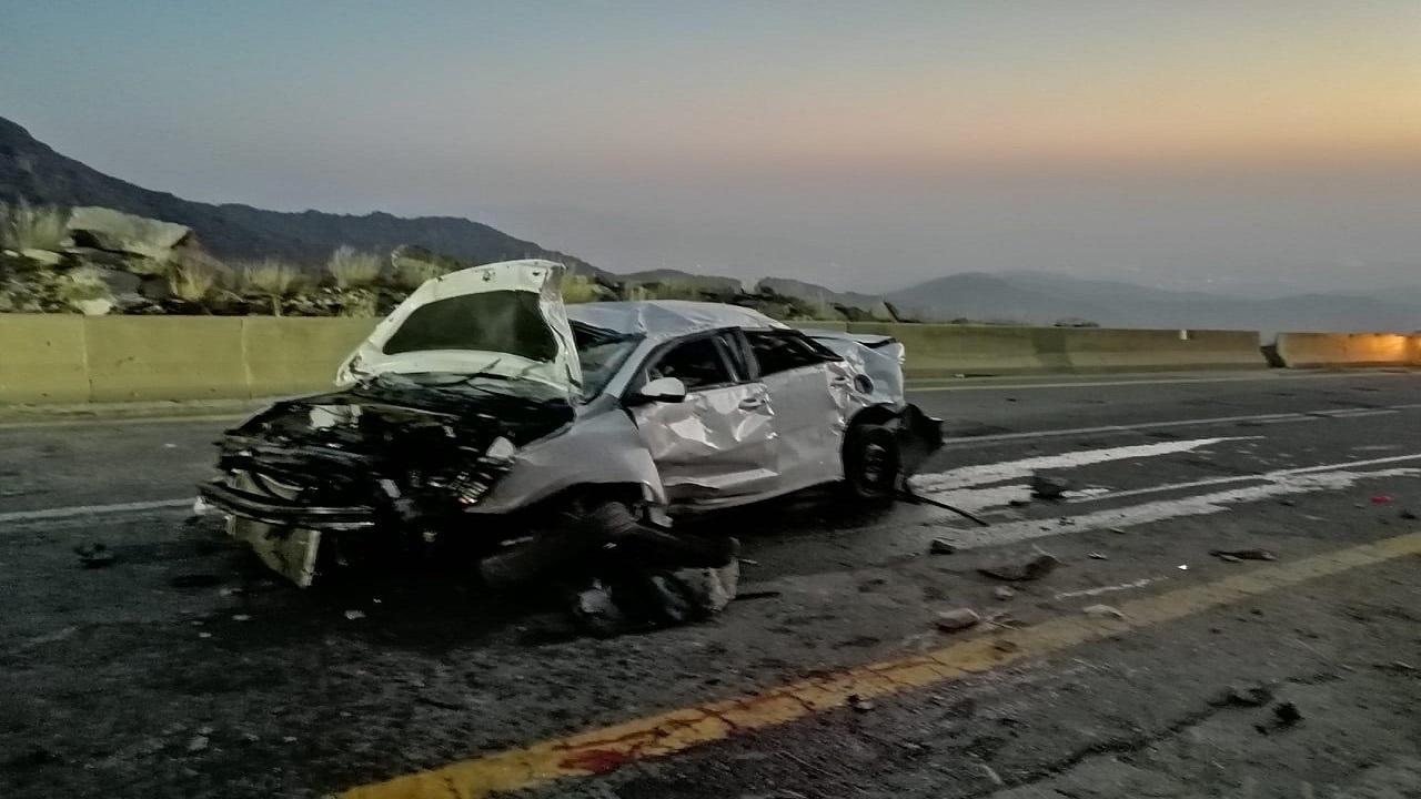 5 إصابات في حادث انقلاب بالباحة