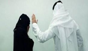 شاب يعتدي على فتاة ويسرق جوالها بسبب خلافات شخصية!