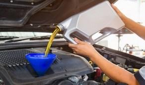 4 أضرار خطيرة تهدد سيارتك بسبب تأخير تغيير زيت المحرك