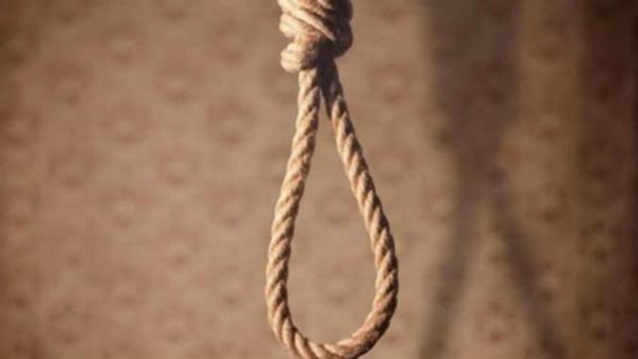 فتاة تقدم على الانتحار بعد معاتبة والدها لها