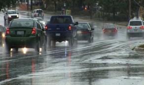 نصائح هامة لتجنب إنزلاق السيارة في الأمطار