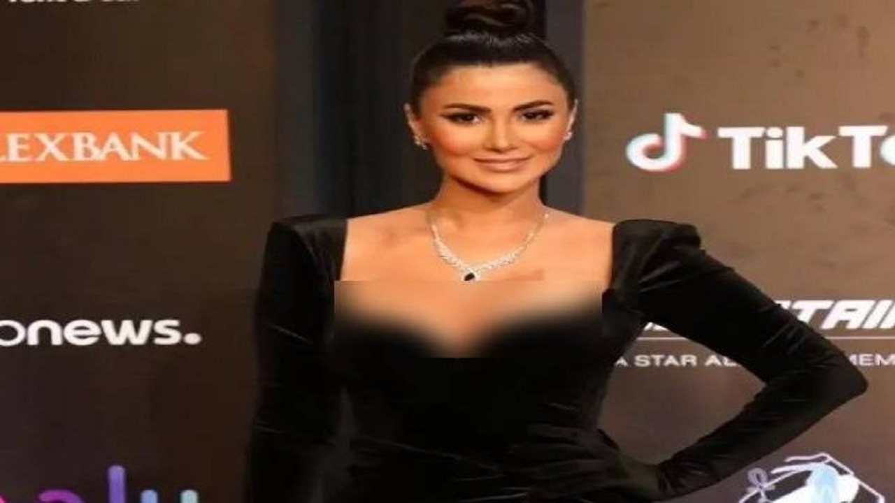 الكشف عن هوية صاحبة الفستان الأسود المثير في مهرجان الجونة