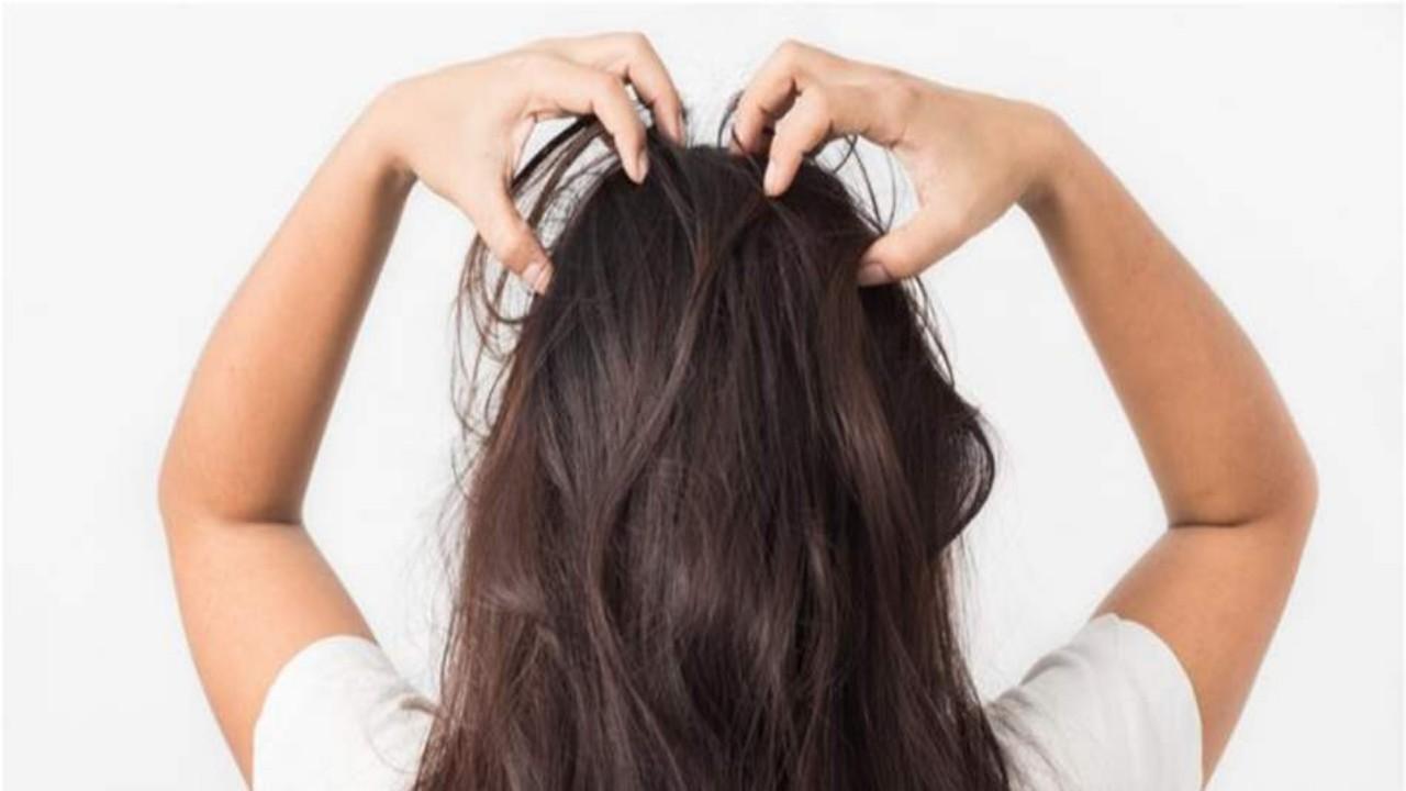 تدليك فروة الشعر يوقف تساقطه ويزيد نموه