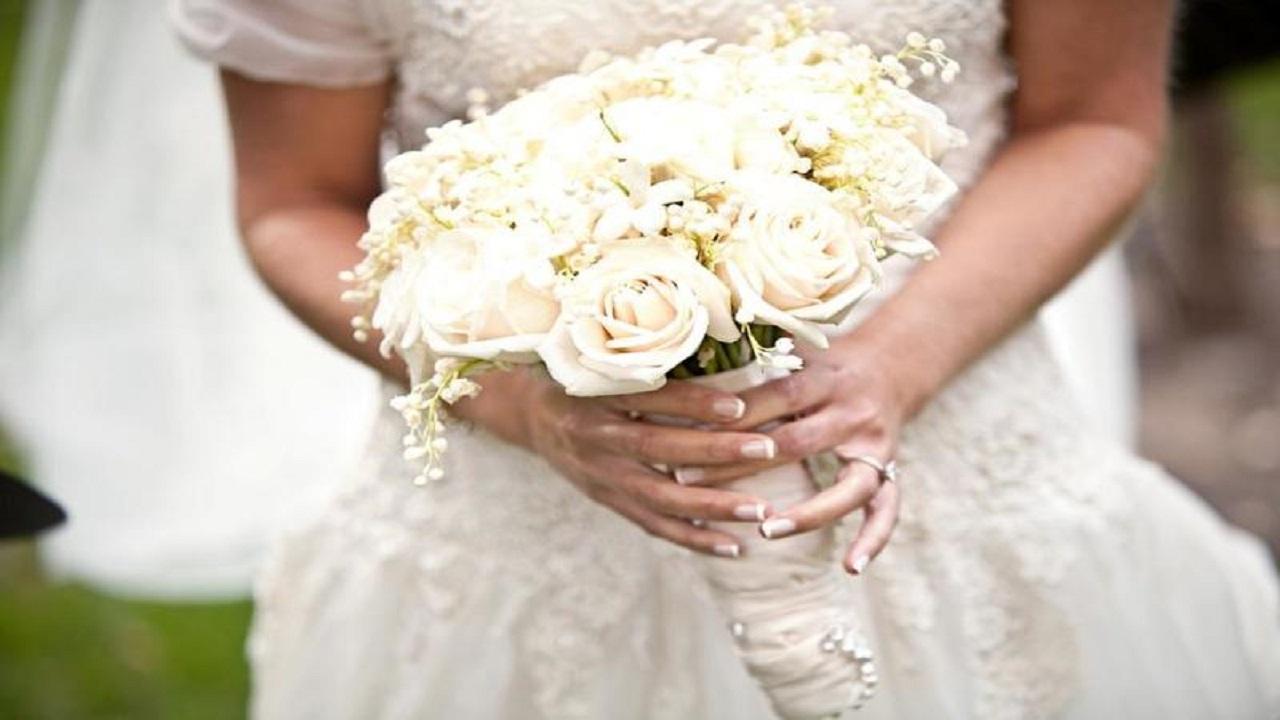 باقة ورد تصيب عروسًا بالعمى ليلة زفافها