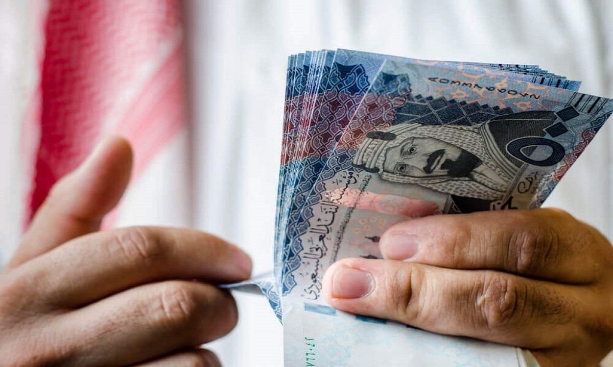 «التجارة» تحذر أصحاب المحلات الرافضين الدفع بالعملات الورقية والمعدنية
