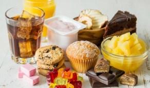 الإفراط في السكريات يؤدي إلى ظهور حب الشباب