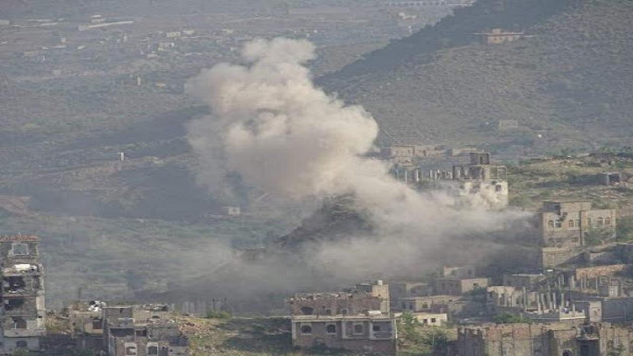 مقتل وإصابة مدنيين بقصف حوثي للأحياء السكنية بتعز