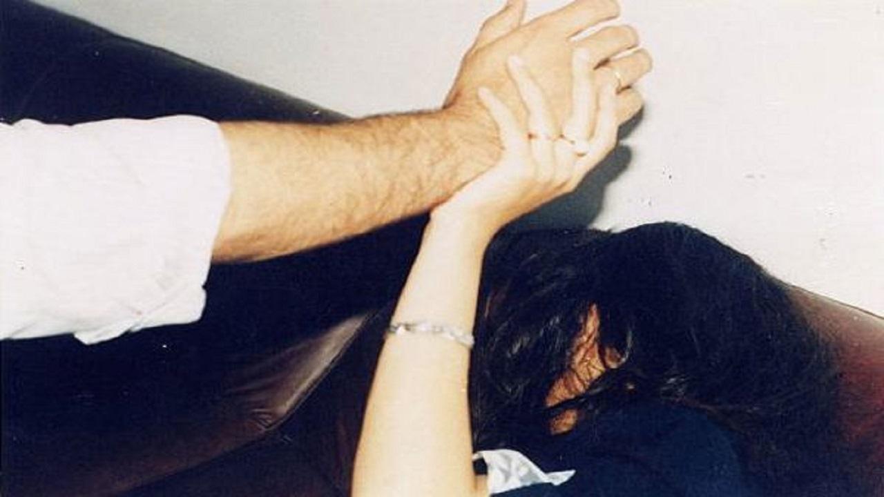 رجل يحاول قتل زوجة شقيقه لرفضها سلوكه الخادش للحياء