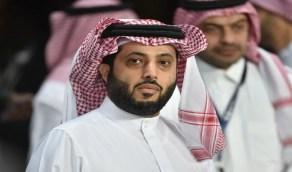ظرف صحي طارئ يمنع تركي آل الشيخ من العودة إلى الرياض