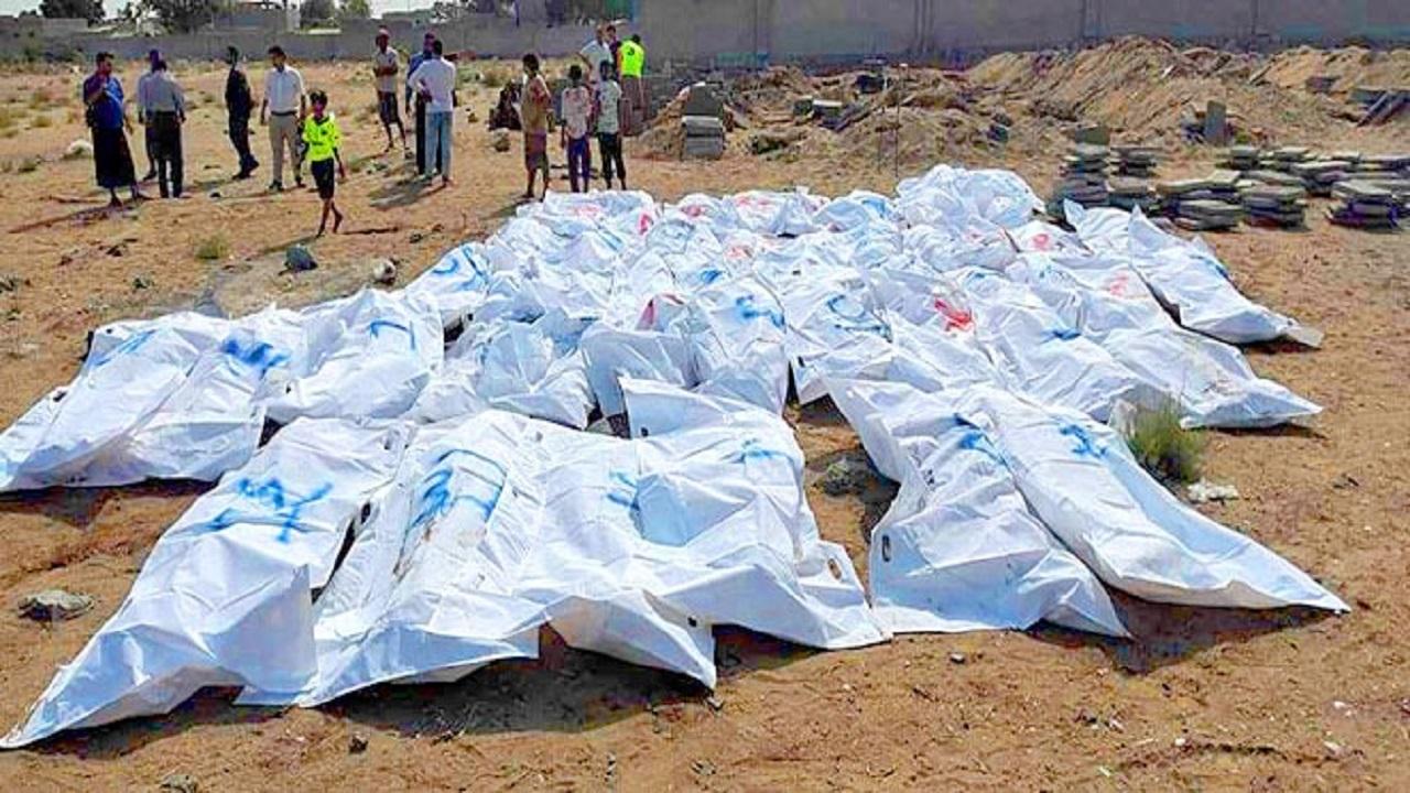شاهد.. ميليشيات الحوثي تدفن جثث لمختطفين مدنيين قتلوا تحت التعذيب