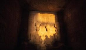 الشمس تتعامد على وجه تمثال رمسيس الثاني