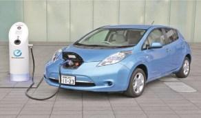 انخفاض تكلفة السيارة الكهربائية يقضي على فرق السعر أمام سيارة البنزين قريباً