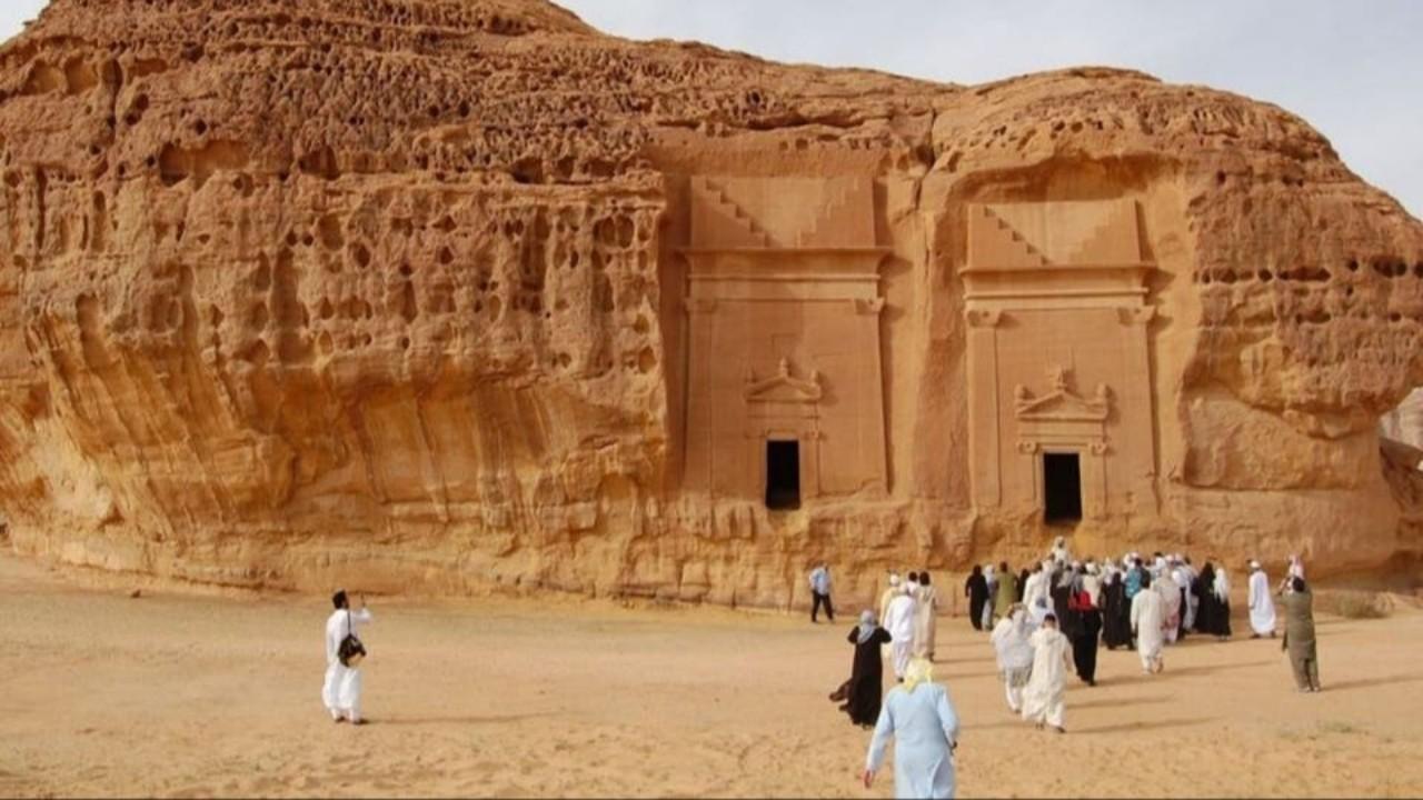 بالفيديو.. سبب اهتمام المملكة بالاستثمار في القطاع السياحي