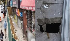 بالفيديو.. لحظة سقوط رجل في حفرة صرف صحي مليئة بالفئران