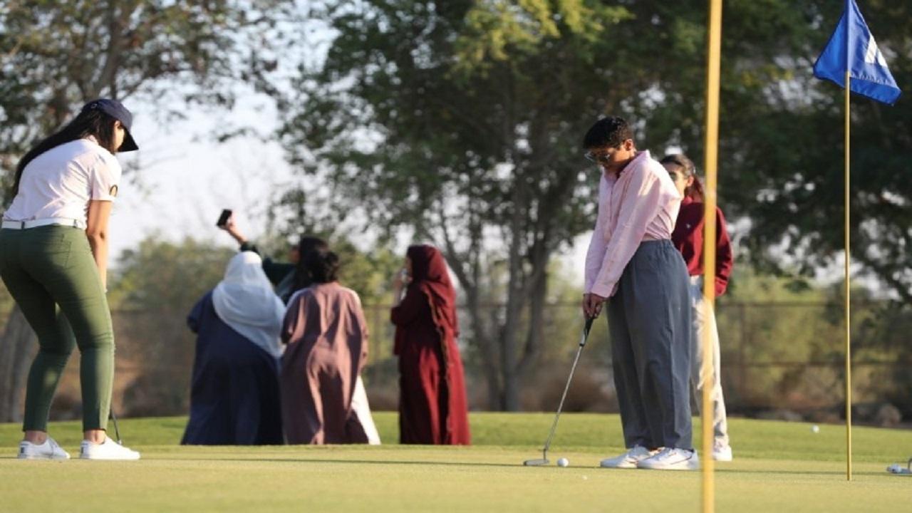 """تحت شعار """" ليدز فيرست """" مبادرة لتدريب السعوديات على """" الجولف """""""