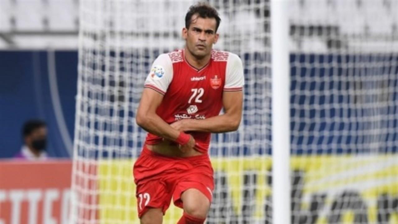إيقاف لاعب نادي بيرسيبوليس الإيراني بسبب تصرف عنصري