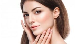 عادات صحية تخلصك من دهون الوجه والرقبة