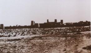 صورة نادرة لأسوار الرياض قبل 108 سنوات تقريبا