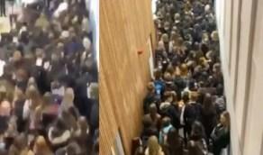 شاهد.. لحظات مروعة لاحتشاد تلاميذ داخل مدرسة بعد تأكُّد إصابة 2 بكورونا