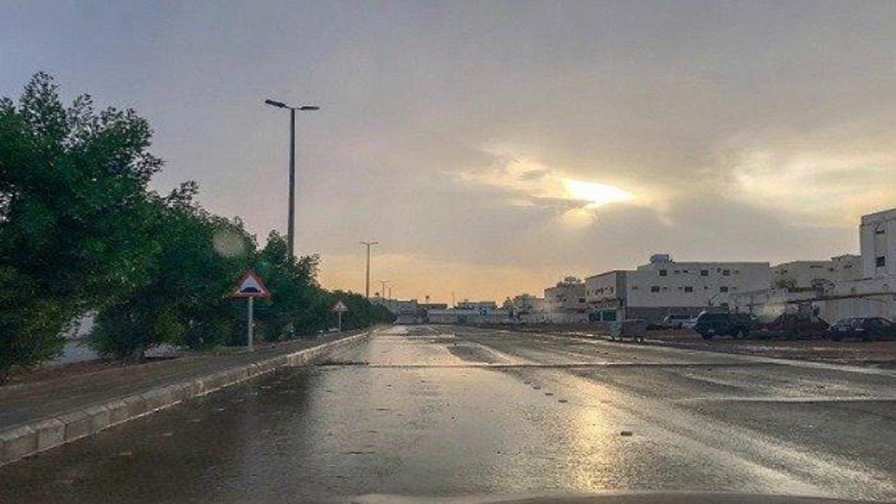أمطار رعدية وأتربة مُثارة على منطقة جازان
