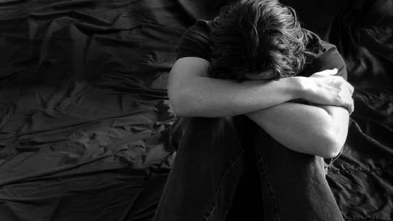 حادث مؤلم يفاجئ فتاة تباهت بصورة خطيبها لأول مرة