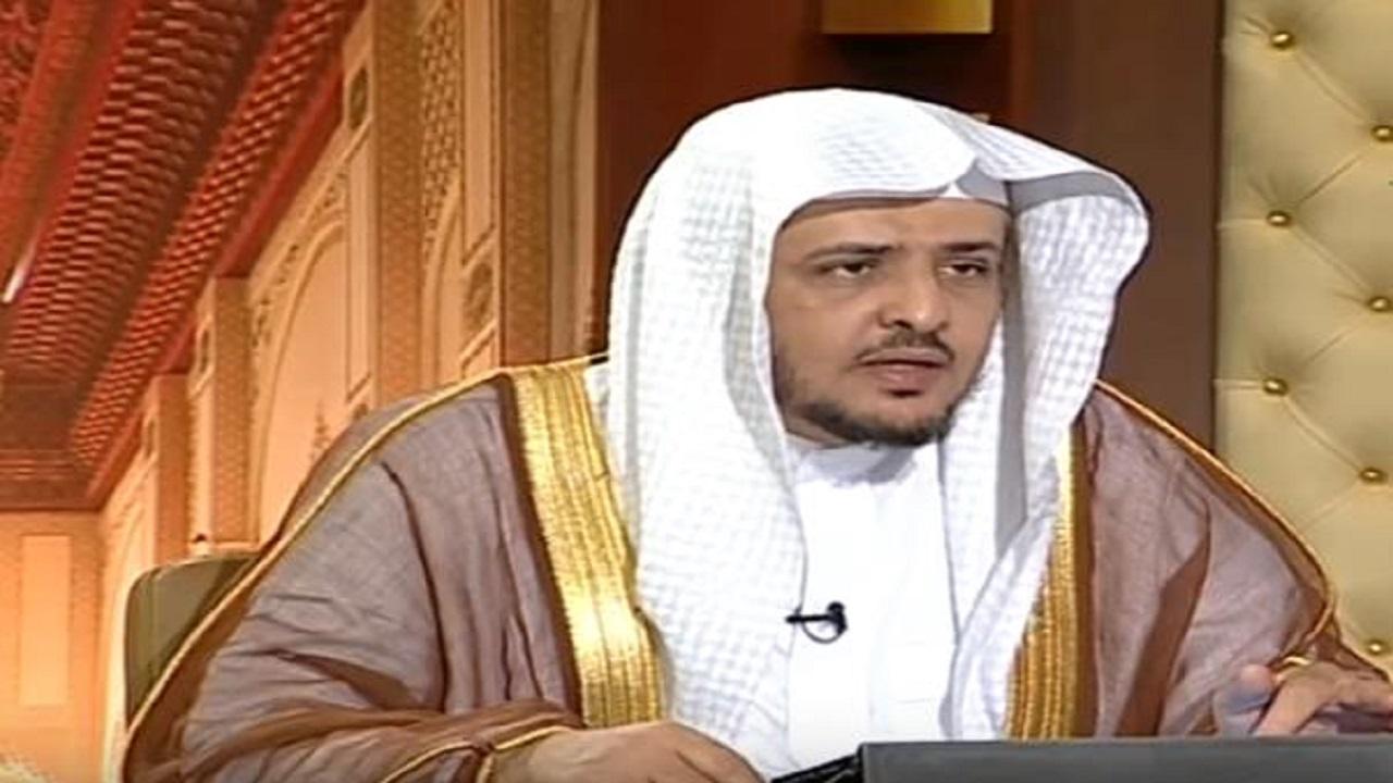 """بالفيديو.. الشيخ """"المصلح"""" يوضح حكم إعطاء الزكاه لتارك الصلاة"""