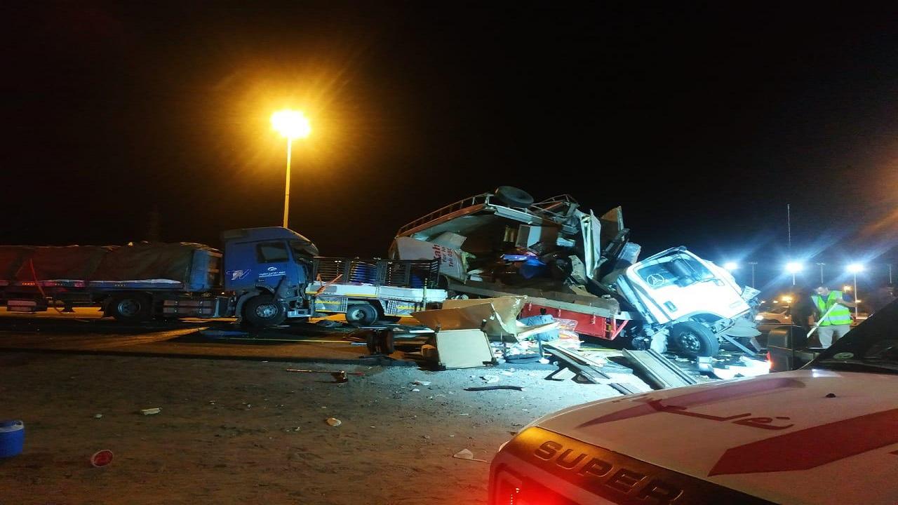5 إصابات في حادث تصادم بالرياض