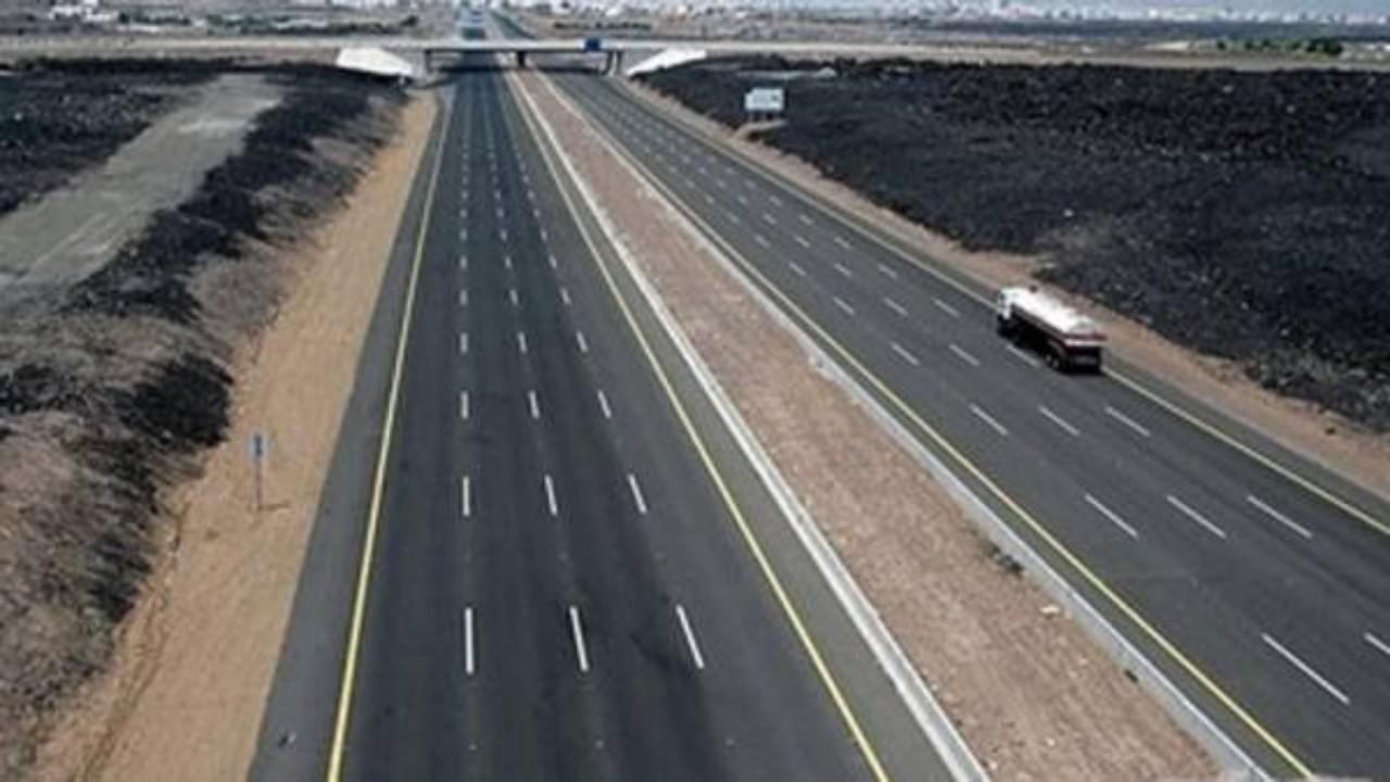 «النقل» تنبه مرتادي طريق «المدينة المنورة - تبوك» بسبب حالة أمطار