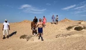 شاهد..الأمير الوليد بن طلال يمارس رياضة الجري في نيوم