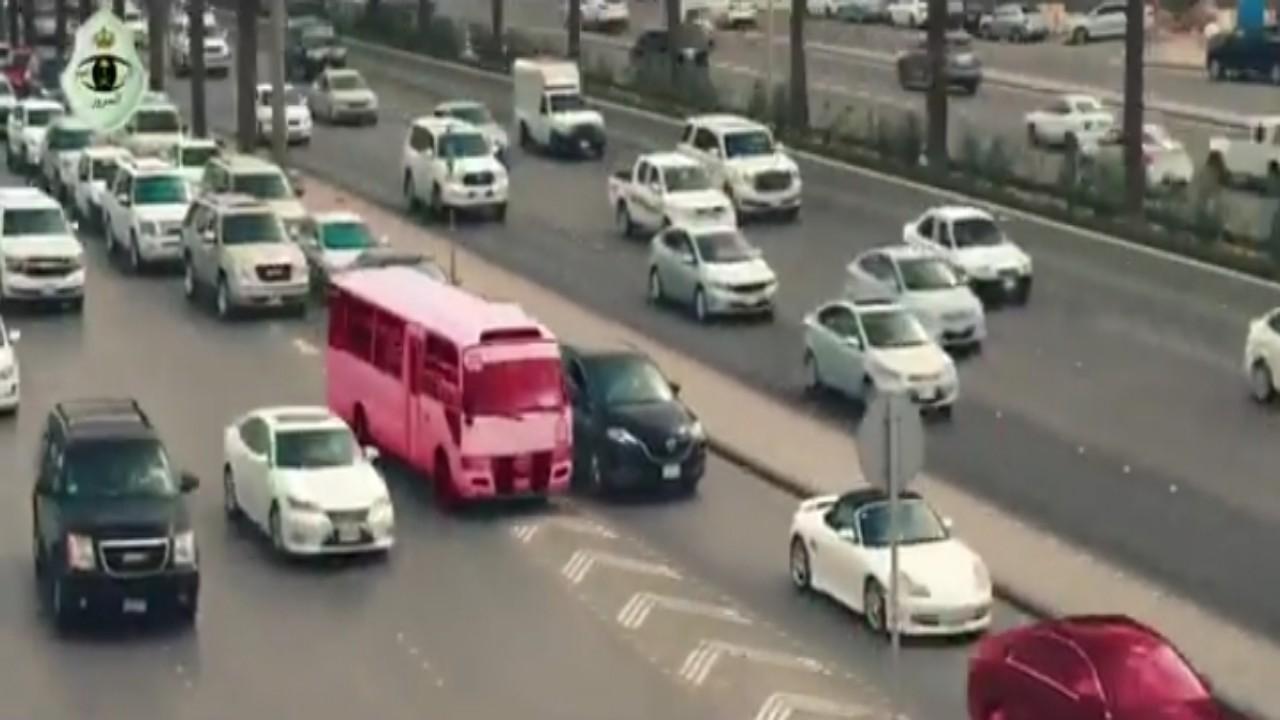 بالفيديو.. «المرور» يكشف موعد تطبيق الرصد الآلي لمخالفة عدم الالتزام بحدود المسارات